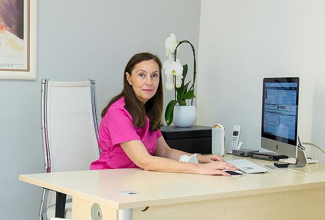 Dr CASANOVA Elisabeth